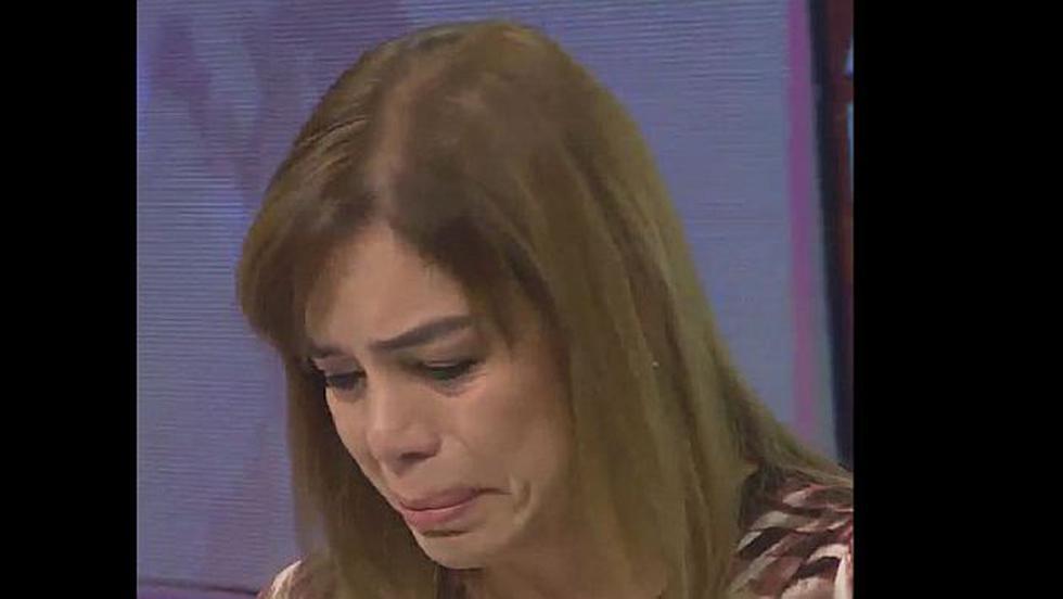 """""""Yo sé lo que le cuesta a una mujer ser mamá"""", dijo Leiva entre lágrimas. (Captura de Pantalla / YouTube)"""