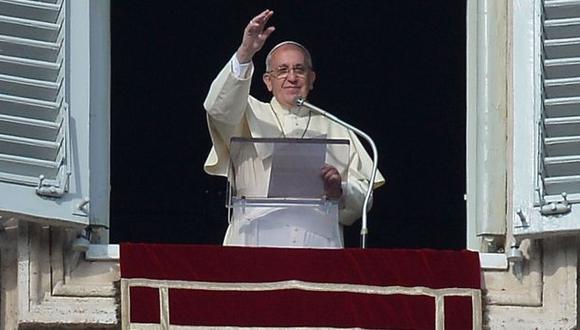 Papa Francisco en su primer Angelus del 2014. (AFP)
