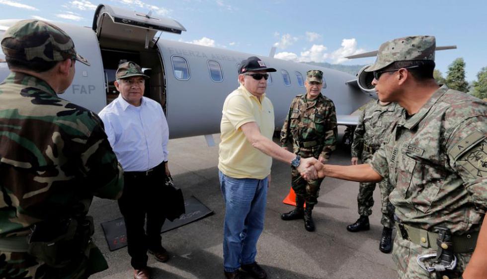 Ministros Cateriano y Pedraza viajaron hasta Mazamari para recoger los cuerpos de los senderistas. (Ministerio de Defensa)