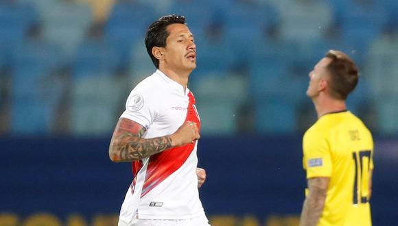 Gianluca Lapadula anotó su primer gol con la camiseta peruana contra Ecuador, durante un partido por el grupo B de la Copa América en el estadio Olímpico Pedro Ludovico Teixeira, en Goiania (Brasil). EFE/ Fernando Bizerra Jr