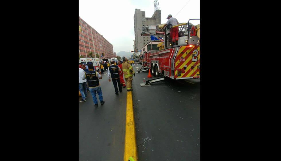 Se reporta un incendio en edificio de avenida Tacna (Johana Checid/Perú21)