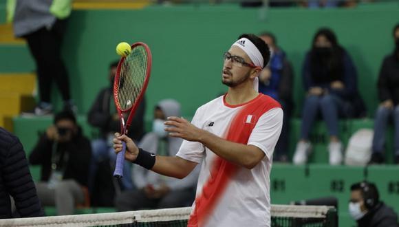 Nicolás Álvarez enfrentó a Nerman Fatic en el quinto juego de Copa Davis. (Foto: Tenis al Máximo)