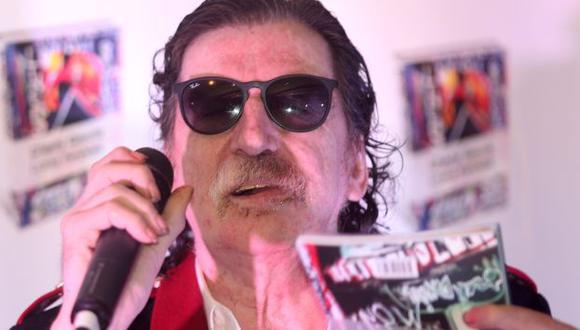 """Biógrafo de Charly García asegura que el famoso cantante prefiere el """"lado oscuro"""""""