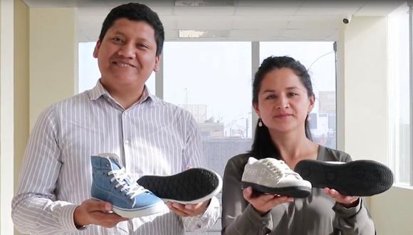 Los emprendedores Jesselyn Campomanes y Paúl Pinares elaboraron zapatillas y ballerinas a base de neumáticos y otros materiales reciclados. (Produce)