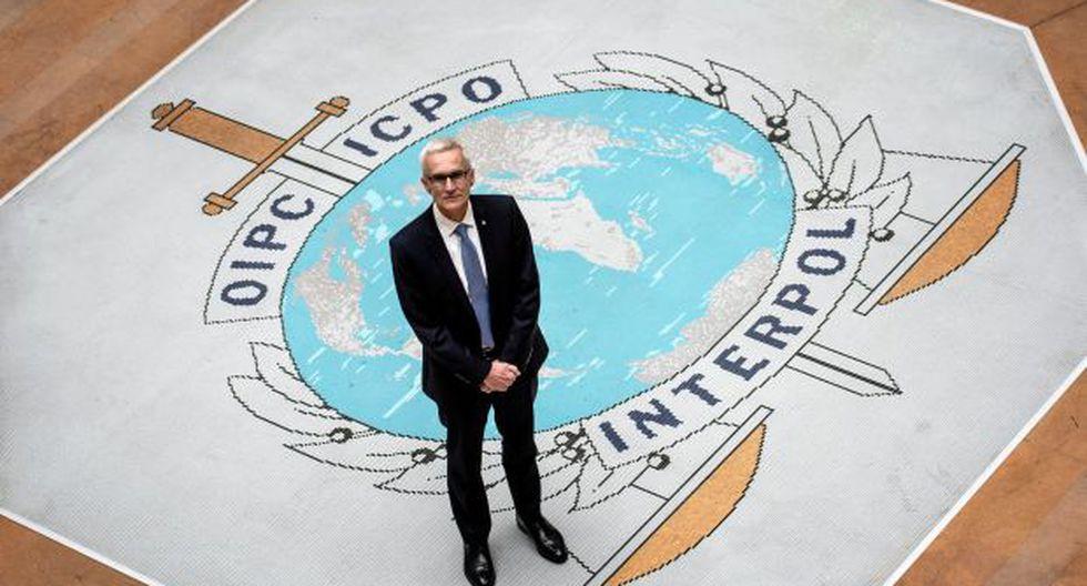 El secretario general de Interpol Jurgen Stock posa para una fotografía en la sede de Interpol en la ciudad de Lyon, en el sur de Francia. (Foto: AFP)