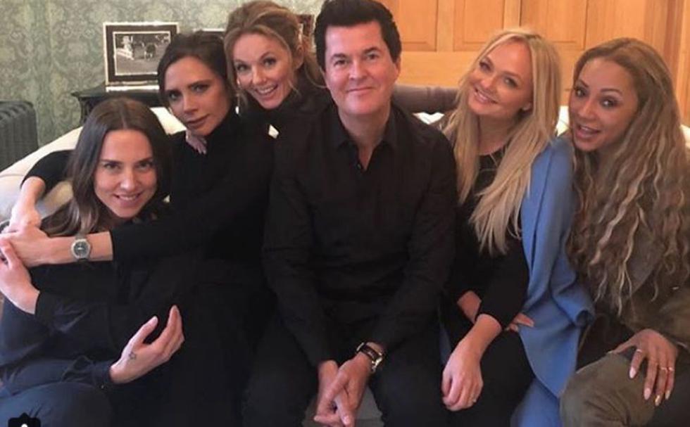 Mel C, Mel B, Emma Bunton, Geri Horner y Victoria Bekham  tuvieron un comovedor reencuentro junto a su ex manager Simon Fuller. (Instagram: @victoriabeckham)