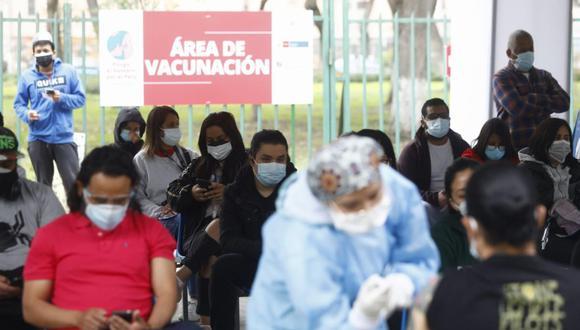 Se continuará la inoculación en primeras dosis para las personas de 23 años. (Foto: GEC)