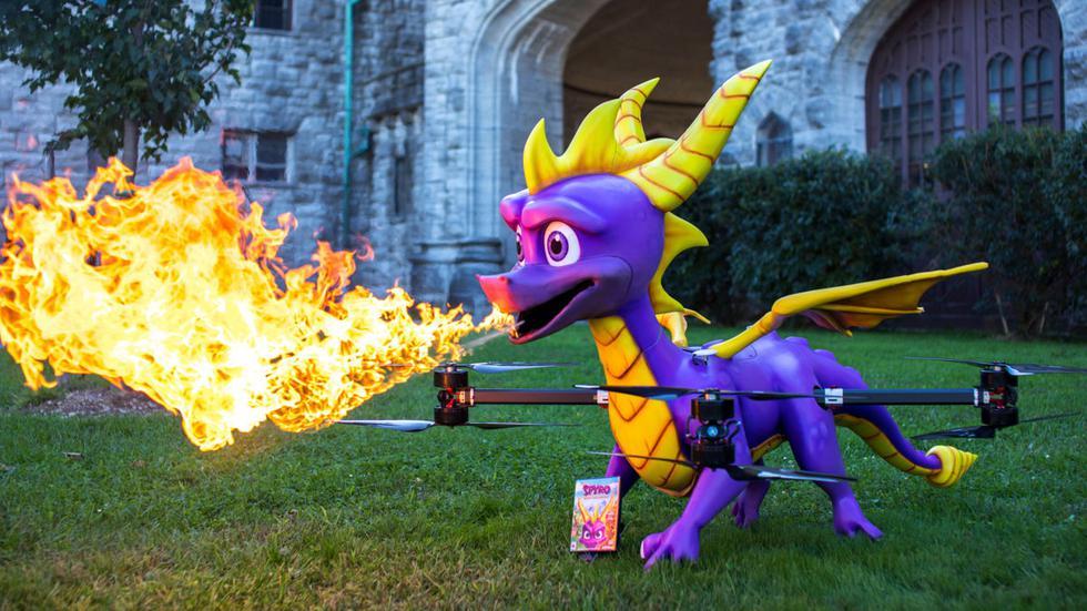 Se tuvo una genial idea de promocionar el título de Activision utilizando un dron con la forma del dragón, el cual además escupe fuego.