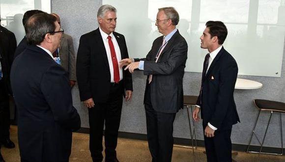 Cuba, uno de los países del mundo con el acceso más restringido y controlado a internet, firmó un acuerdo con Google a fines de 2016 para una conexión más rápida.   Foto: AFP