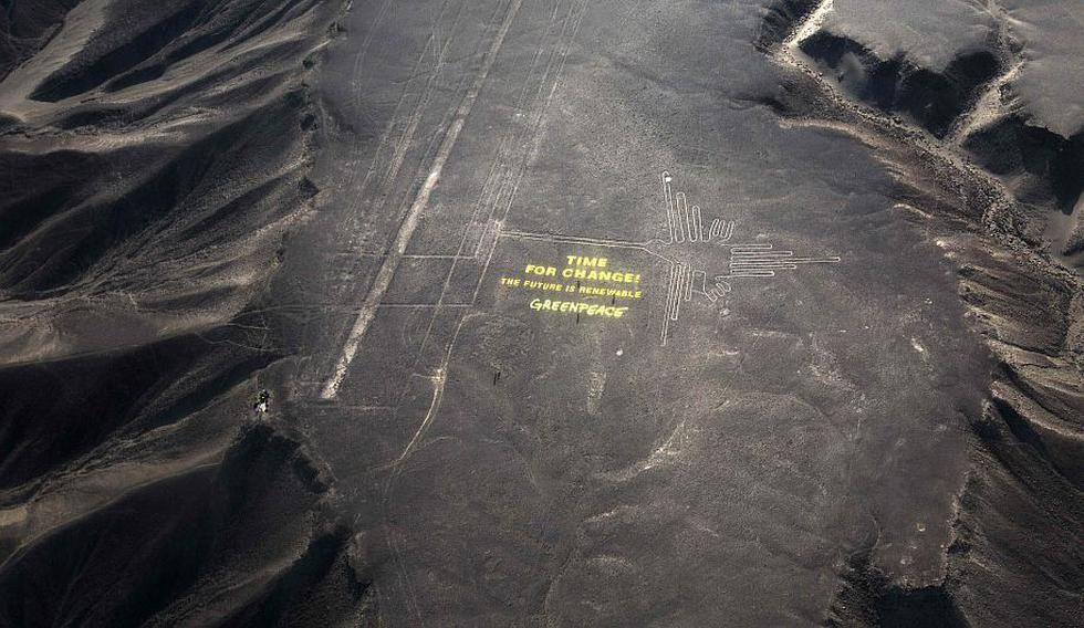 Greenpeace dañó las Líneas de Nasca al desplegar un mensaje sobre el cambio climático. (AP)
