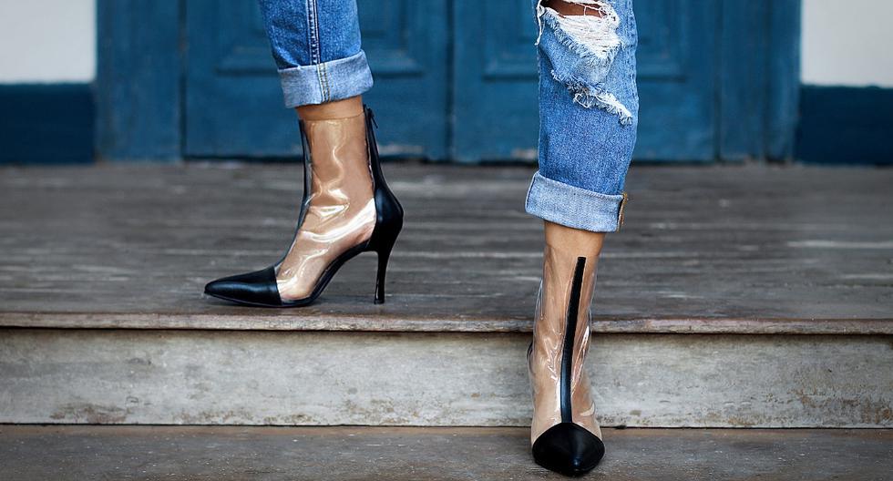 El vinil. Los botines transparentes de vinil con cuero, son lo más moderno que verás. (Foto: Difusión)