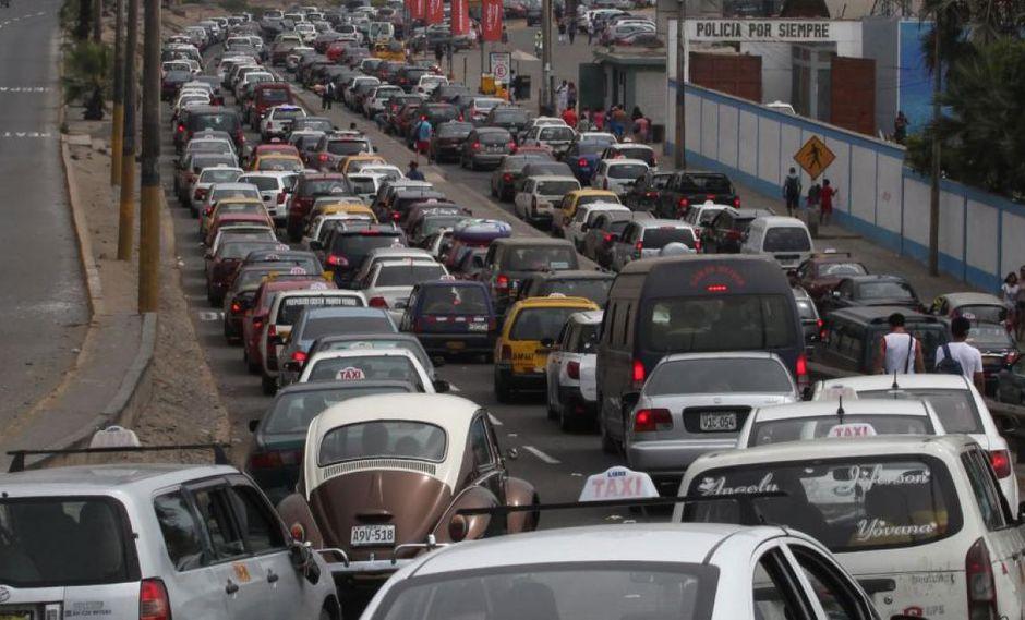 El 38% de la de la población de Lima se moviliza en transporte público. (Perú21)