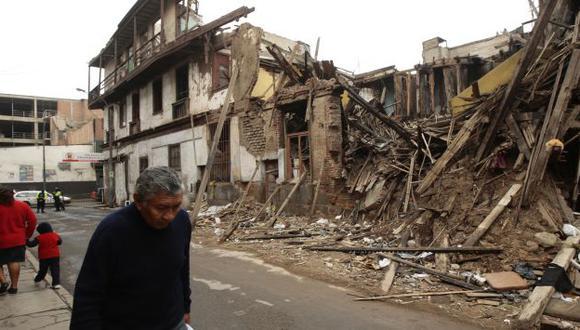 SIGUE IGUAL. Vecinos piden la demolición del Callejón del Buque, en Barrios Altos. (David Vexelman)