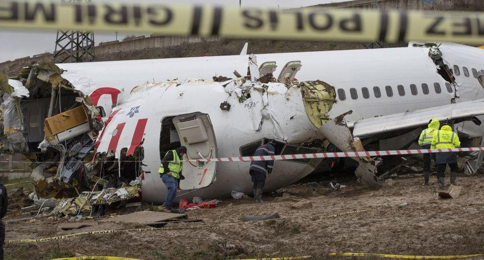 El Boeing 737 de la compañía Pegasus Airlines, que transportaba a 177 pasajeros y seis tripulantes provenía de la ciudad occidental de Izmir, Turquía. (EFE).