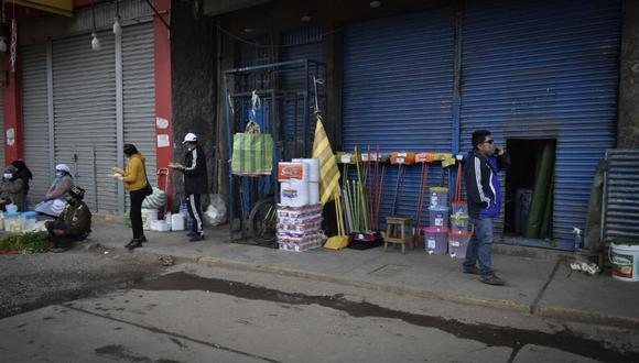 Negociantes venden productos que no son de su rubro