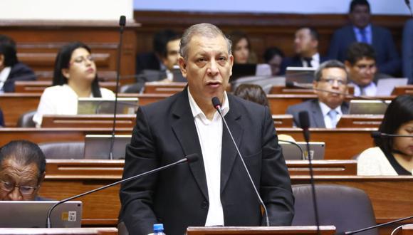 El congresista del Frente Amplio, Marco Arana, criticó el archivo de la denuncia contra Moisés Mamani en la Subcomisión. (Foto: Congreso)