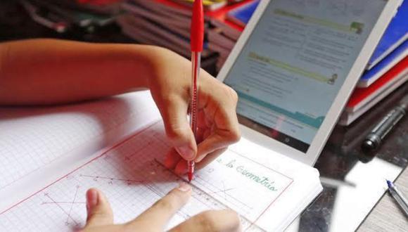 El titular del sector Educación indicó que las clases serán remotas al menos por el primer mes del año escolar. (Foto: Andina)