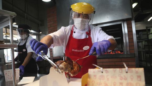 Mincetur publicó paso a paso que deberán seguir restaurantes para hacer delivery. (Foto: AP Photo/Martin Mejia)
