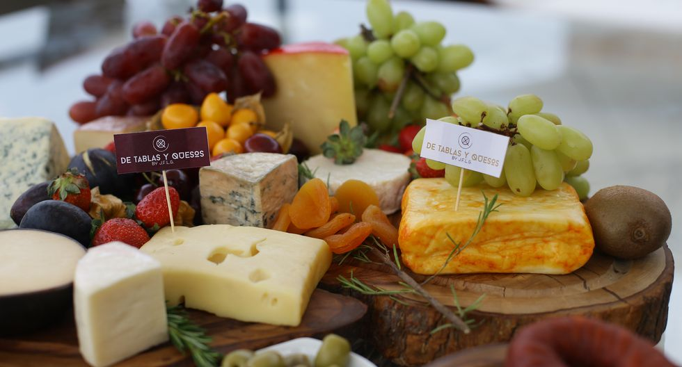 Juan Francisco Lezcano emprendió negocio de catering especializado en quesos para momentos íntimos junto a familia y amigos. (JESÚS SAUCEDO/ GEC)