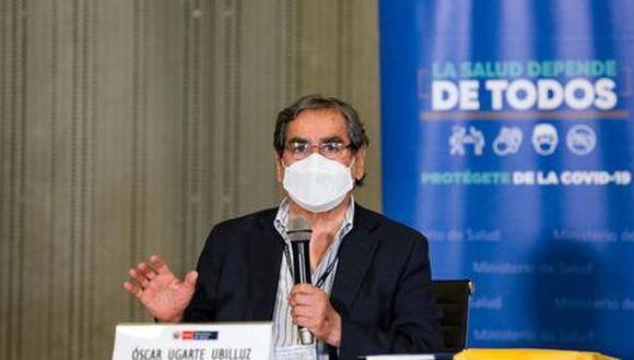 El ministro de Salud, Óscar Ugarte, pidió a la población apoyar la vacunación. (Foto: Andina)