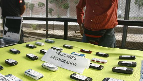 Presos también tenían cargadores artesanales para celular. (USI)