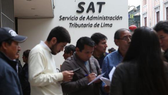 Afectados podrán enviar un e-mail al SAT para pedirles que depositen el dinero en sus cuentas bancarias. (David Vexelman)