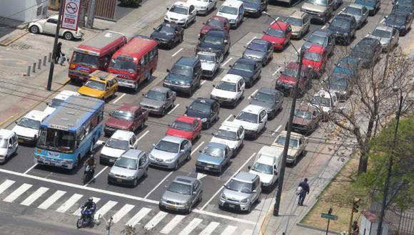 ESTANCADOS. Descongestionar el tráfico es la tarea pendiente. (USI)