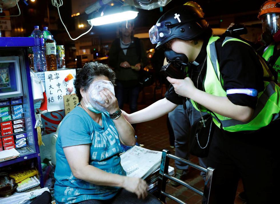 Cinco meses de manifestaciones antigubernamentales han llevado a los residentes de Hong Kong a participar en protestas a menudo violentas, en las que grupos de clérigos se han involucrado ofreciendo cuidado y oración a todos los que lo necesitan. (Foto: Reuters)
