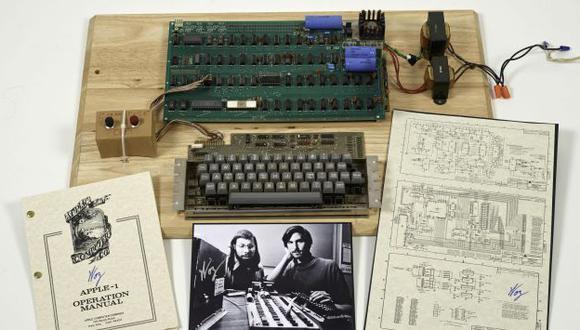 La computadora tiene la firma de tiene la firma de Wozniak. (EFE)