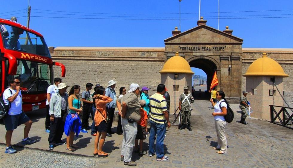 La Fortaleza Real Felipe es un clásico y las visitas nocturnas son las más populares ahora. (Archivo El Comercio)