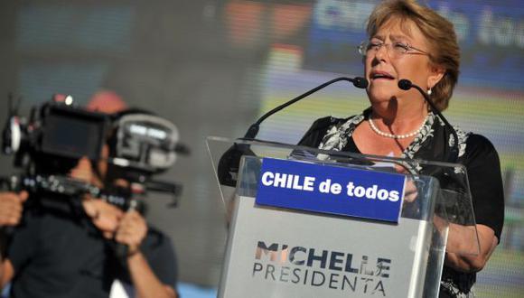 Michelle Bachelet sigue punteando en los sondeos de opinión en Chile. (AFP)