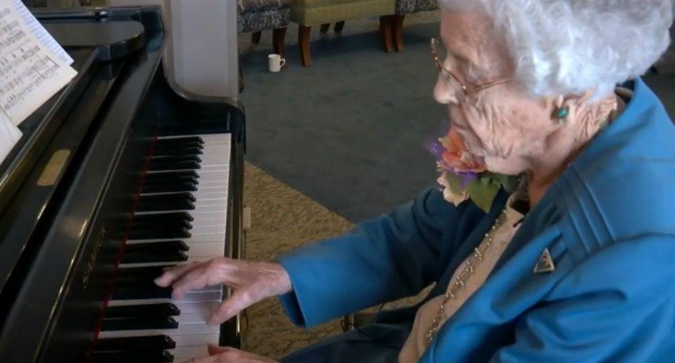 Ruth Everson planea tocar el piano hasta que ya no pueda hacerlo. (Foto: Captura)