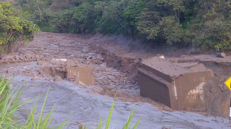 Dontes colapsaron por los huaicos producto del colapso de dos ríos a causa de las fuertes lluvias.  s pue