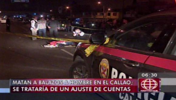 Sicarios asesinan a hombre de 7 balazos en pecho y cabeza en el Callao. (Captura de TV)