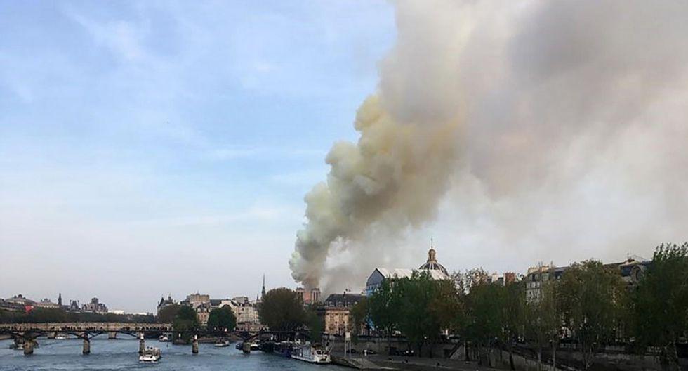 El lamentable incendio de Notre Dame en imágenes. (AFP)