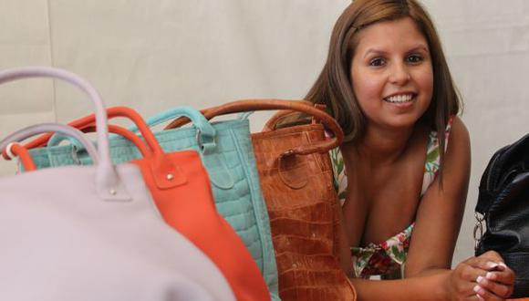 Al año, María produce entre 700 y 900 carteras. (USI)