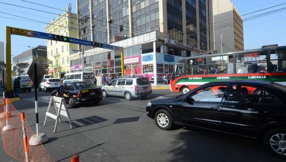 TRÁNSITO PESADO. Conductores deben tomar sus precauciones. (Difusión)