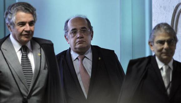 Los jueces Marco Aurelio Mello, Gilmar Mendes y Ayres Britto a cargo del proceso. (Reuters)