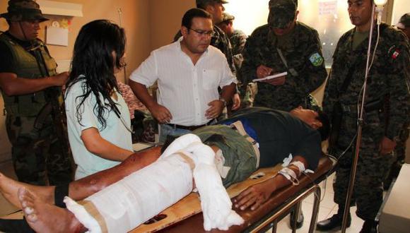 Alberto Otárola, ministro de Defensa, supervisa el traslado del oficial herido en el ataque terrorista en el Cusco. (Difusión)