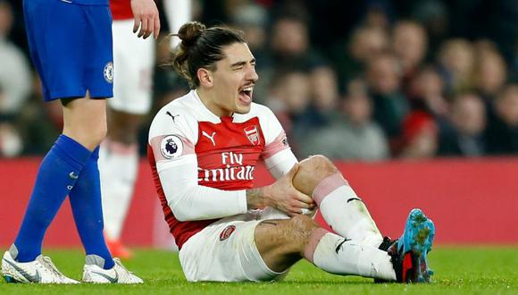 Héctor Bellerín se lesionó durante el partido del fin de semana contra Chelsea por la Premier League. (Foto: Reuters).