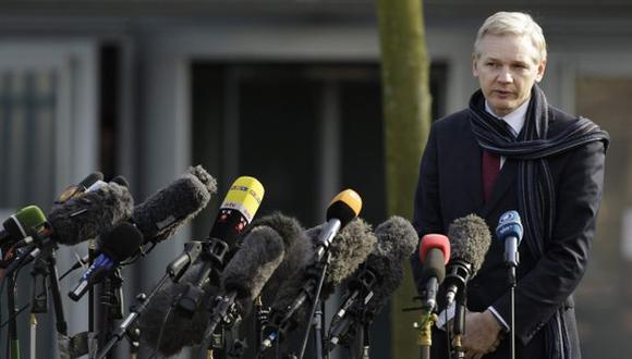 ¿A SALVO? Assange sigue en la Embajada de Ecuador en Londres a la espera de una respuesta oficial. (AP)