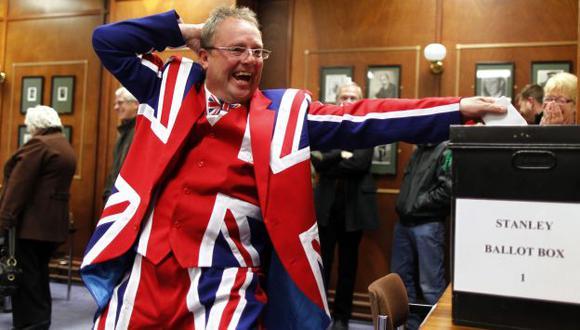 Entusiasta elector británico. (Reuters)