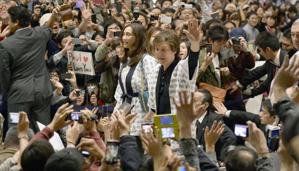 Paul McCartney llega a Japón para iniciar su gira 'Out There'. (AP)