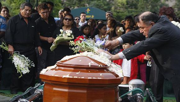 El periodista fue sepultado en Huachipa. (Rodrigo Málaga)
