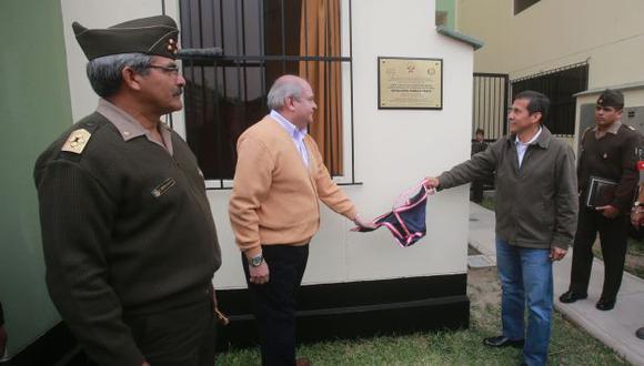 (Cateriano y Humala inauguraron viviendas en la Villa Militar de Chorrillos. (Andina)