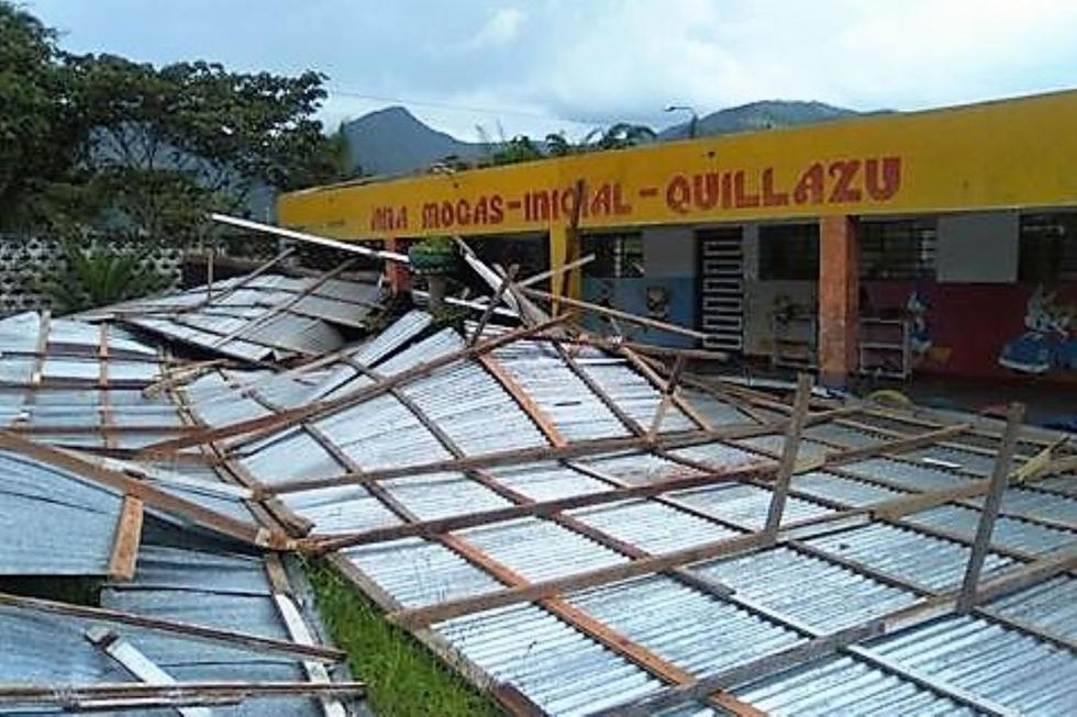 Techo de Colegio Inicial quedó destruido tras el paso de los fuertes vientos. (Andina)