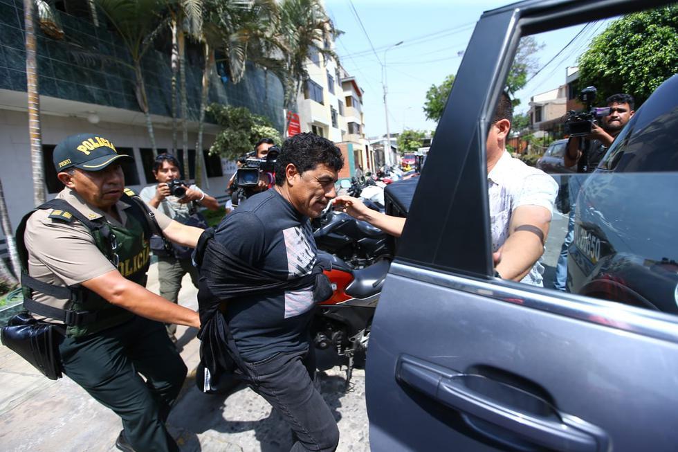 """Julio """"coyote"""" Rivera detenido por conducir su vehículo en estado de ebriedad en una calle del distrito de San Borja, la prueba de alcoholemia dio 0,98. (Fotos: Fernando Sangama)"""