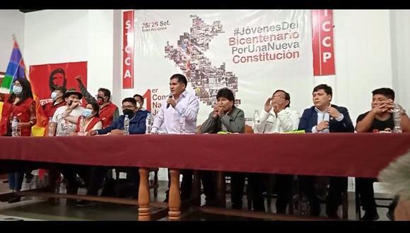 Jaime Quito Sarmiento expuso junto a Evo Morales en el evento de Perú Libre. (Facebook: Radio Victoria)