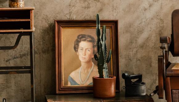 El hombre compró el cuadro porque le gustaba el marco dorado y ornamentado que lo enmarcaba. (Foto: Pexels)