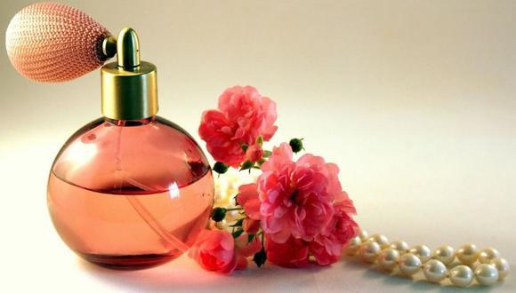 No pongas tus perfumes en el baño porque la luz y humedad lo arruinarán y se perderá más rápido. (Foto: Pixabay)